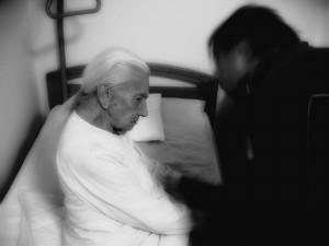 anziana con demenza